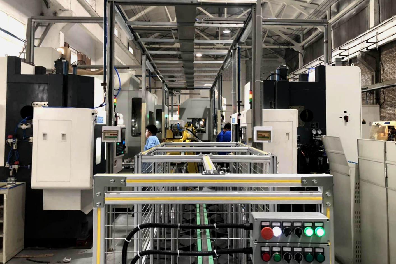法士特沃克公司调试首条片齿轮机器人自动线