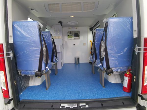 疫情当前,又一批依维柯转运型救护车支援丹江口市!