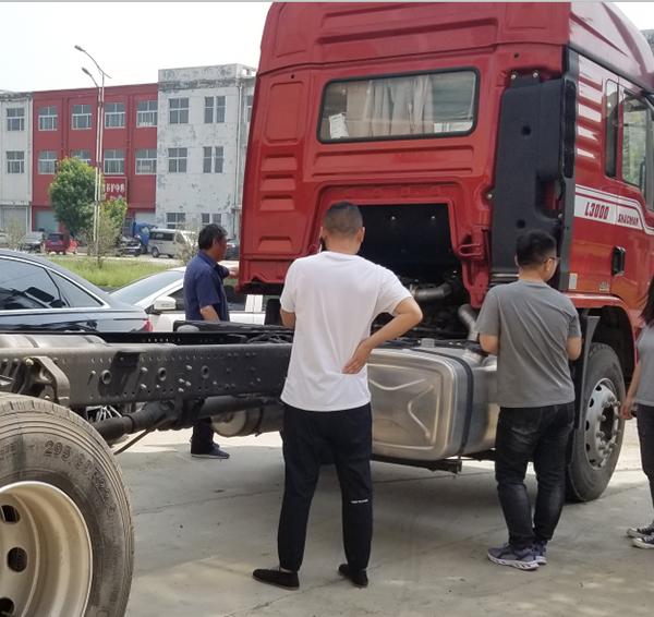 陕汽重卡丨创新推广抢订单,终端联动忙交付